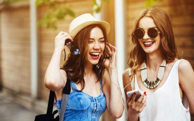 Fast-fashion: hàng xách tay phủ sóng Social Media và các nguy cơ tiềm ẩn cho thương hiệu